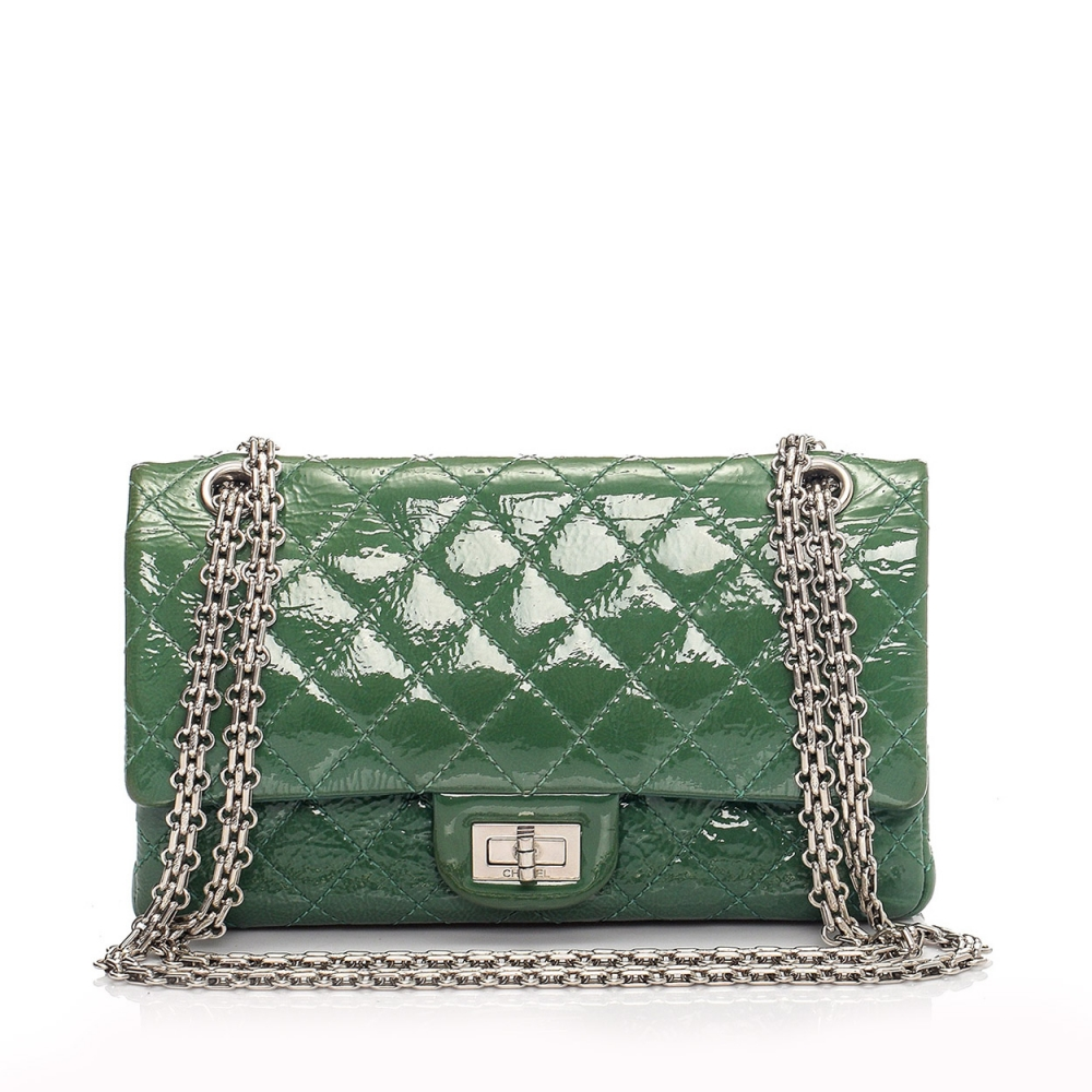 CHANEL - GREEN 2.55 REISSUE QUILTED CLASSIC PATENT LEATHER 225 FLAP BAG